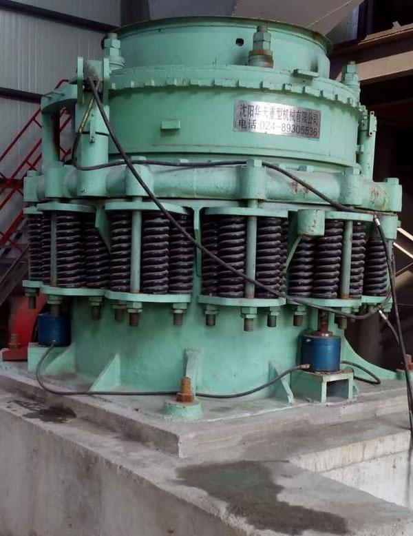 单缸圆锥破碎机的主要破碎作用